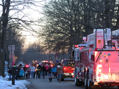 Bolivar's Christmas on the Canal Parade
