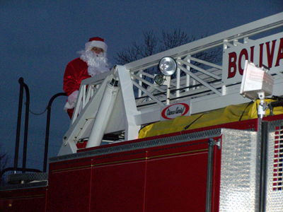 Bolivar's Christmas on the Canal Parade - it's SANTA!